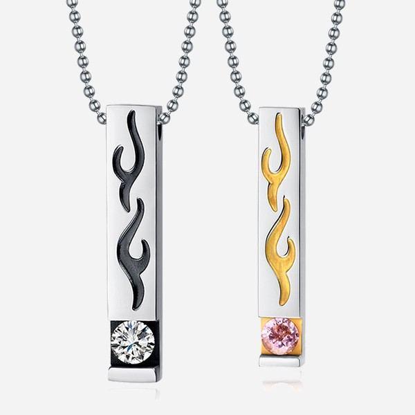 Exquisite Feuerförmige Halskette Aus Kubischem Zirkon Aus Eingelegtem Edelstahl