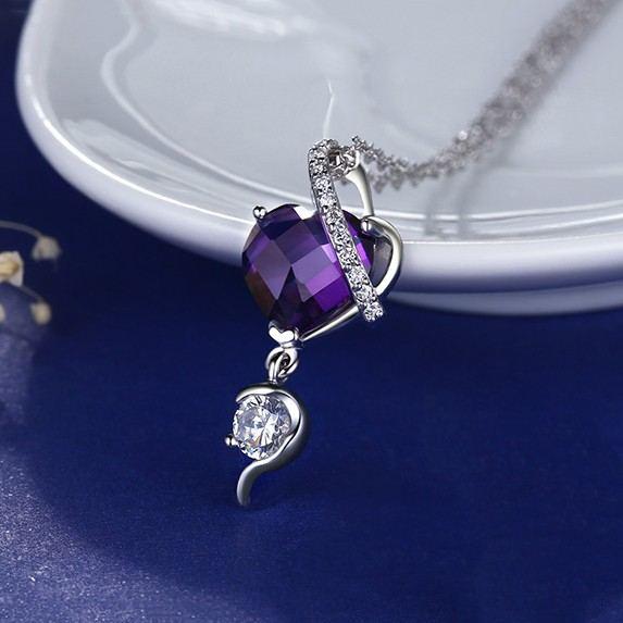 Klassische 925 Sterling Silber Eingelegte Lila Herzförmige CZ Halskette