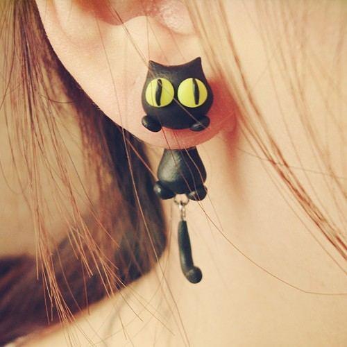 Schöne Katze Die Auf Dem Ohr Liegt Handgefertigte Damenohrringe Zwei Arten Von Stilen Vier Farben
